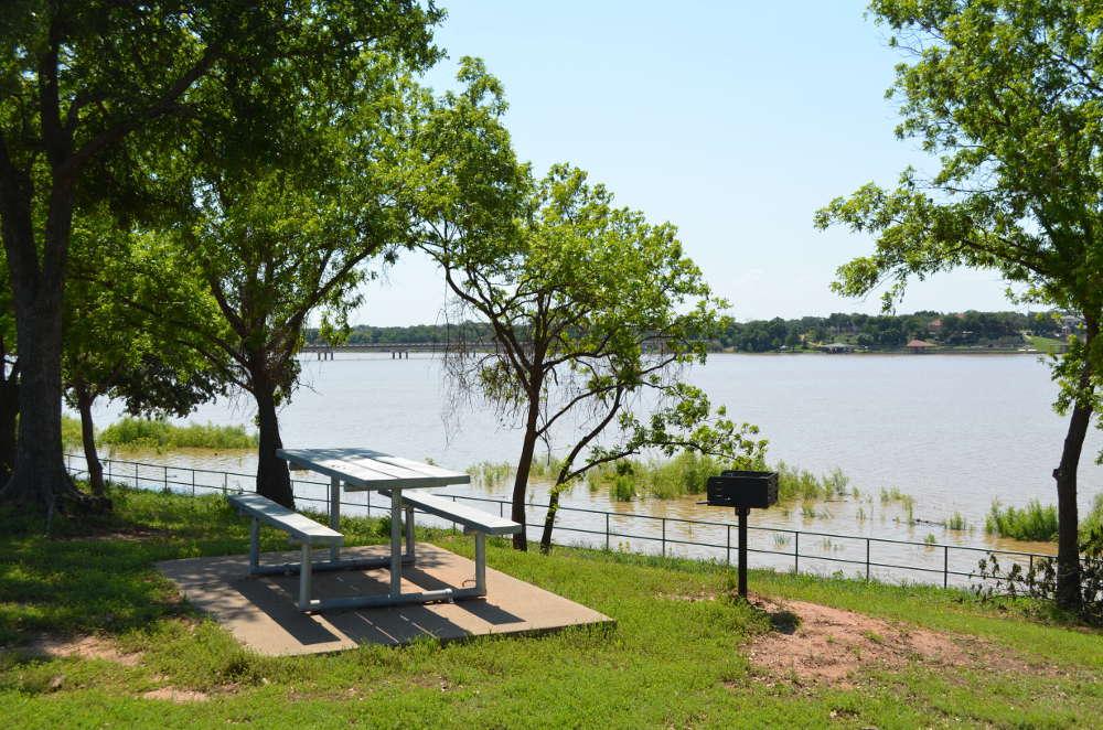 Hunter-Park-picnic-area
